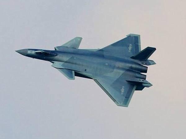 歼-20震惊世界 中国或成全球第2大空军