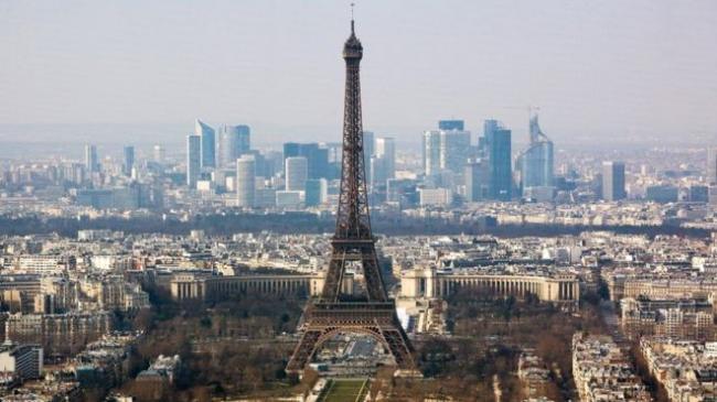 中国40人旅行团巴黎遭抢后 北京急了
