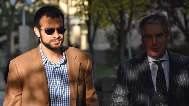 khadr-arrives-at-edmonton-court.jpg