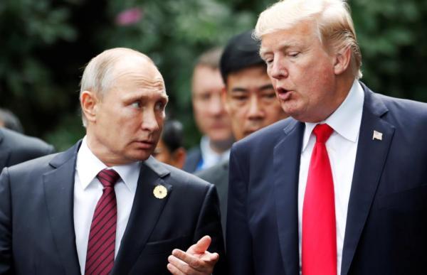川普和普京APEC峰会交谈热烈