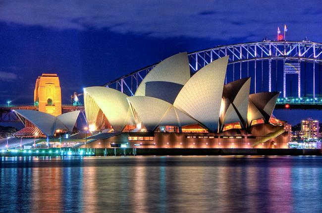 800px-Sydney_Opera_House_Close_up_HDR_Sydney_Australia.jpg