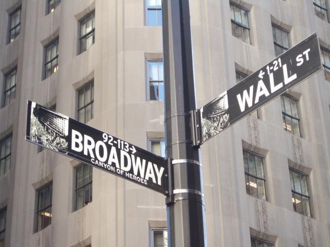 富人更富:华尔街今年奖金4年来首次大涨