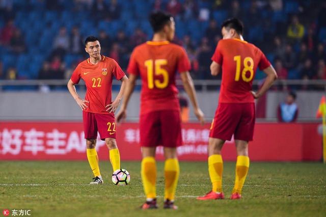 国足完败  中日韩足球真实实力对比惊人