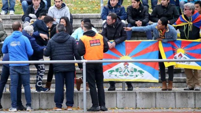 中断与德国合作  中国男足选拔队回国
