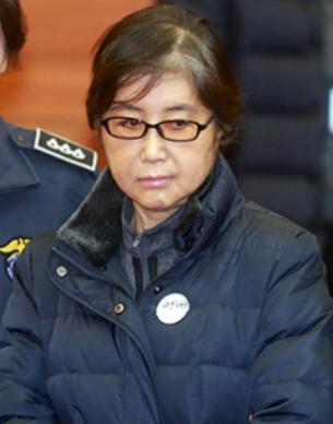 崔顺实喊冤:我跟朴槿惠只是上下级关系