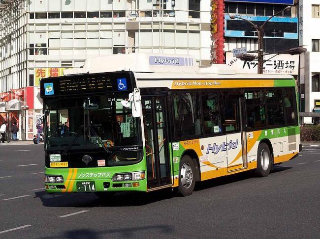 满载27名中国人大巴在日本出车祸