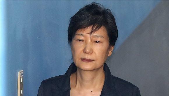 收网:朴槿惠擅政门最后一名高官被捕