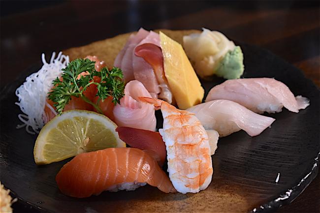 giwa 10 sashimi.JPG