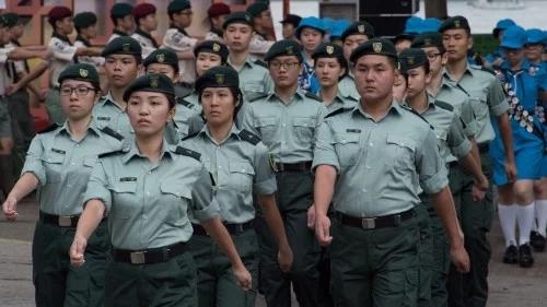 从娃娃抓起:突然冒起的香港青少年军