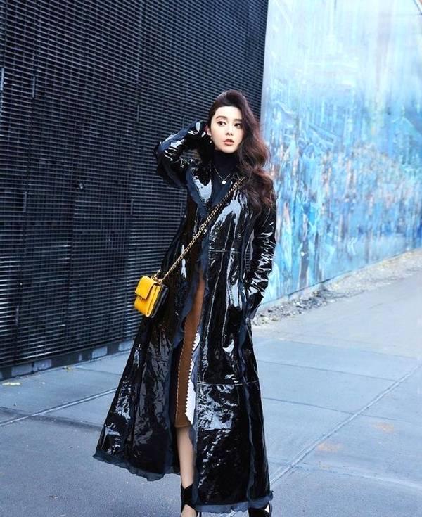 """范冰冰景甜穿""""垃圾袋"""" 这种时尚谁能懂?"""