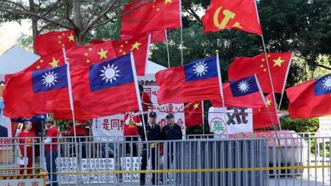 今天 五星红旗竟首次插到民进党的老巢