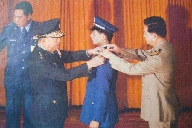 他30年前驾战机叛逃台湾,现定居美国