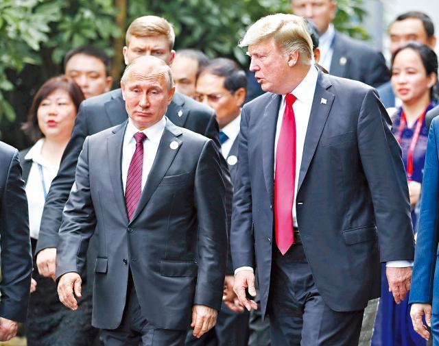 通俄门困扰 两国关系陷入冷战后新低