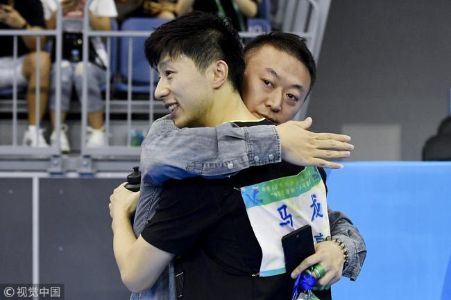 刘国梁携国乒2大金牌名帅离开