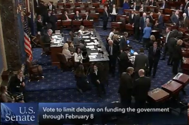 刚刚!美参议院通过临时法案 又要开门了