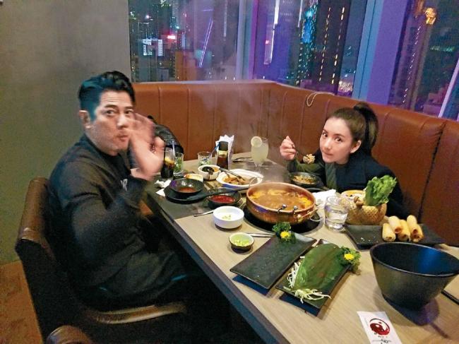 """郭富城两人世界 吃火锅""""调情""""被偷拍"""