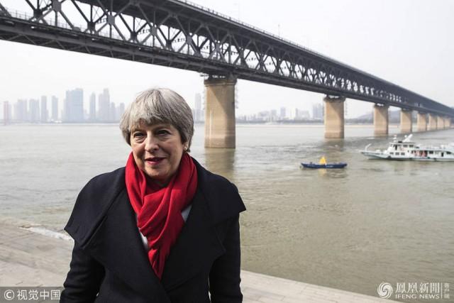 英首相今见习近平,敢触霉头谈香港吗?