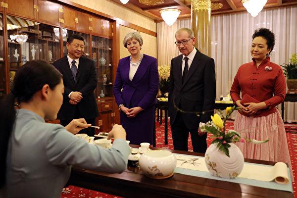 得知中国人给自己的昵称 英国首相惊呆了