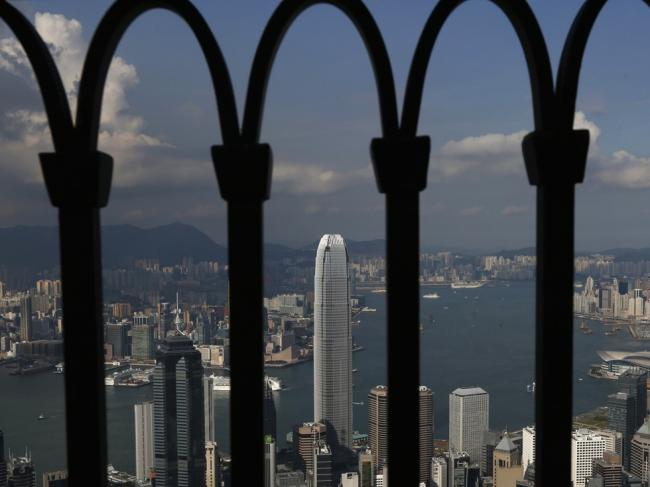 外国干预不绝!香港要敢说不