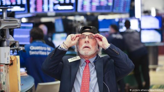 前所未有!股市暴跌引发人机大战