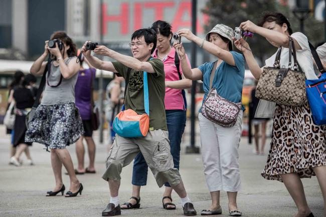 TouristsChina.jpg