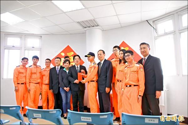 蔡英文对未来有信心:今年台湾会更壮大