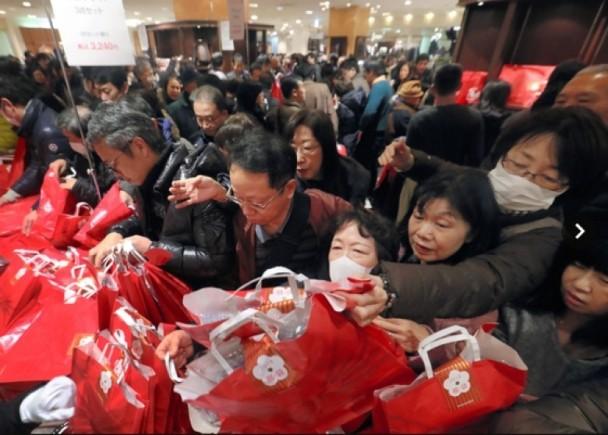 仅5%中国人有护照 出境消费已是美国2倍