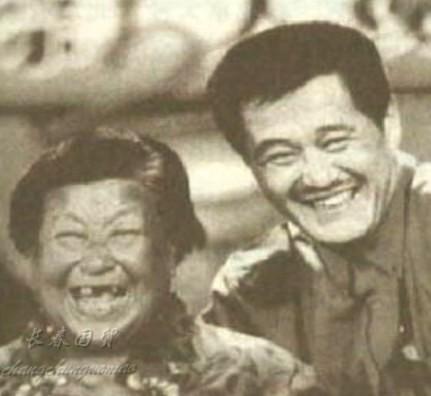 赵本山看望88岁干妈 没她就没有我的今天