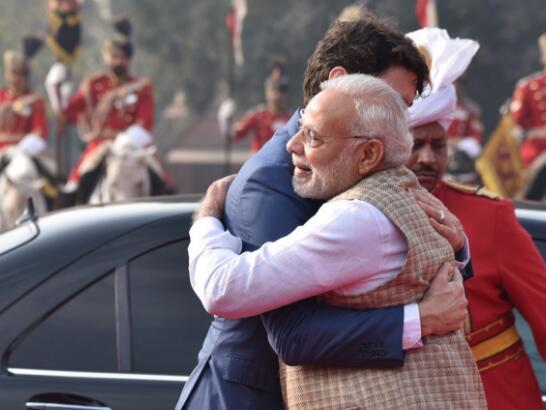 被冷落6天后 加拿大总理终于见到了莫迪