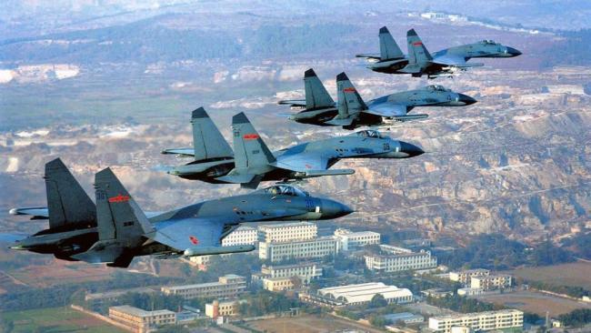 中国先进战机迅雷进西藏 公开剑指印度