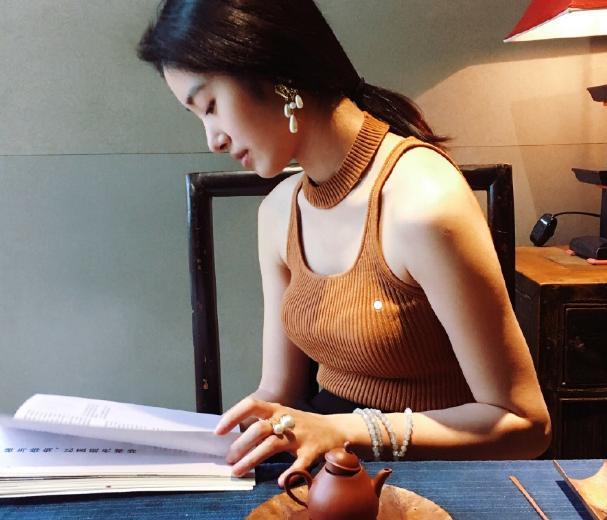 刘亦菲已是过去式 杨采钰搬进陈金飞豪宅