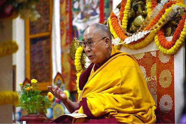 达赖喇嘛鼓励尼姑弘扬佛法