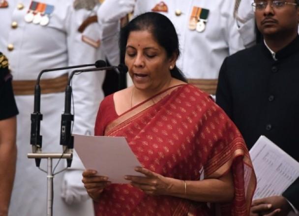 印度国防部长突爆出大消息!中印军队竟