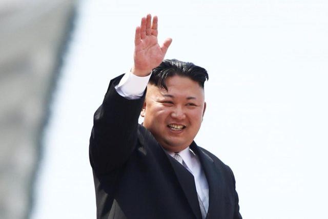 Pyongyang-Kim-Jong-Un-a-parata-militare-2-640x427.jpg