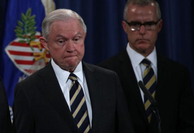 司法部长批准解雇FBI副局长   川普大赞