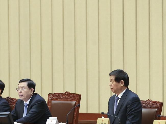栗战书当人大委员长 张德江做出特殊举动