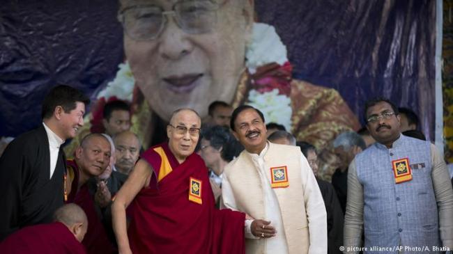 """达赖喇嘛想回家了!在印强调""""一个中国"""""""
