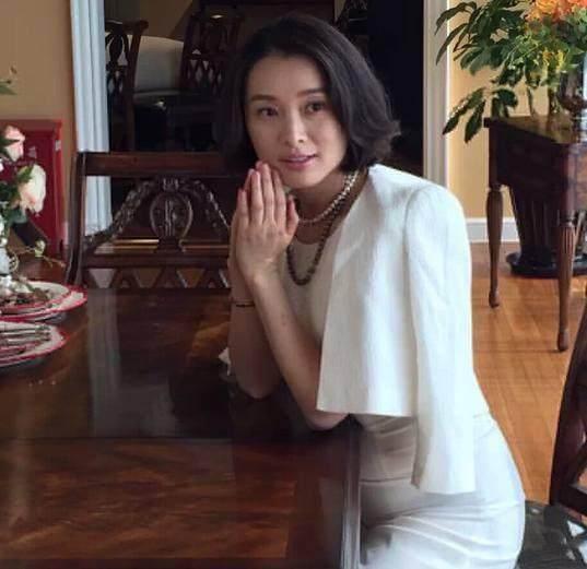 当年陈建斌为蒋勤勤甩了她  42岁仍单身