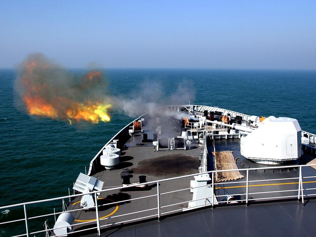 南海对峙初现!中国海军最大规模军演