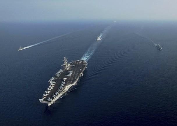 罗斯福号巡南海 中国军舰曾在附近出现