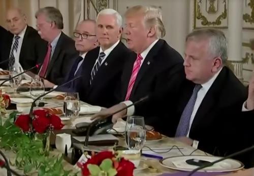 川普一副茫然脸:我没有要回TPP