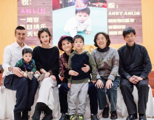 黄圣依还是炫了富,4期节目换了4套房子