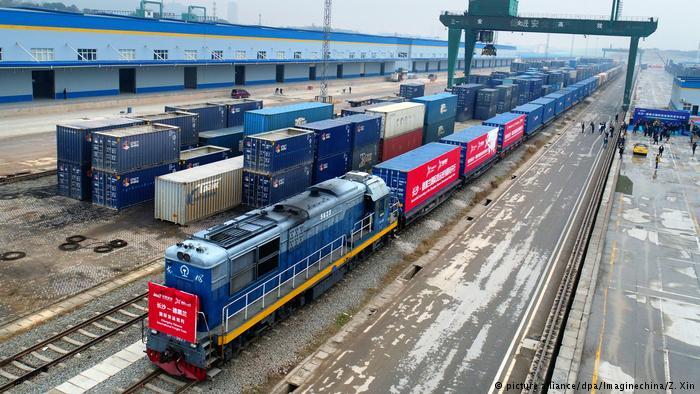 中国火车开往伊朗德黑兰 叫板华盛顿?