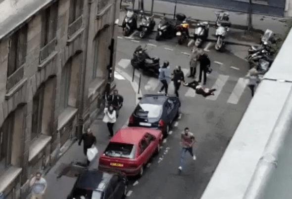 突发!巴黎发生持刀袭击事件 2人死亡