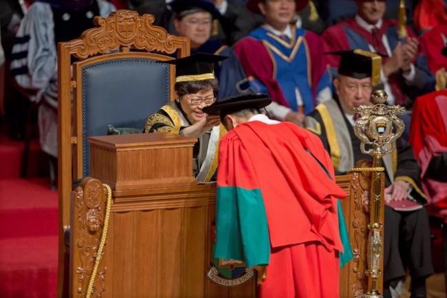 马云的第5个博士学位 香港特首颁发
