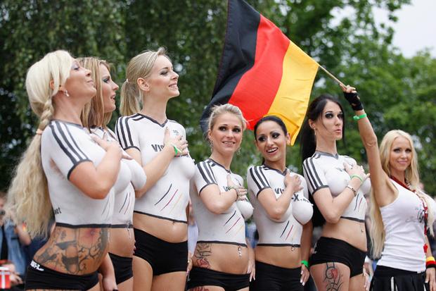 art_sexy_soccer_8072_620x413.jpg