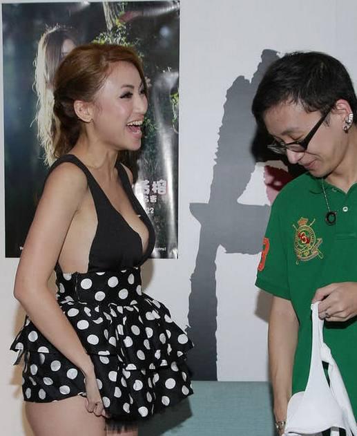 最美年龄跟了陈冠希 今37岁沦落脱内衣裤