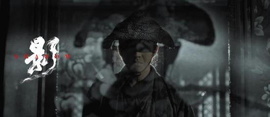 邓超一人分饰两角(剧照)