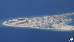 中国移走南海有争议岛屿上的导弹