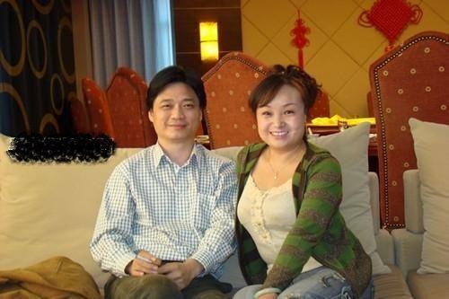 崔永元最近全家福照曝光 妻子是这样的人